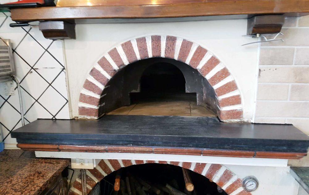 Restauro forno a legna effettuato da Forni Pavesi Rimini