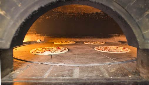 Costruzione e vendita forni a legna per pizzerie