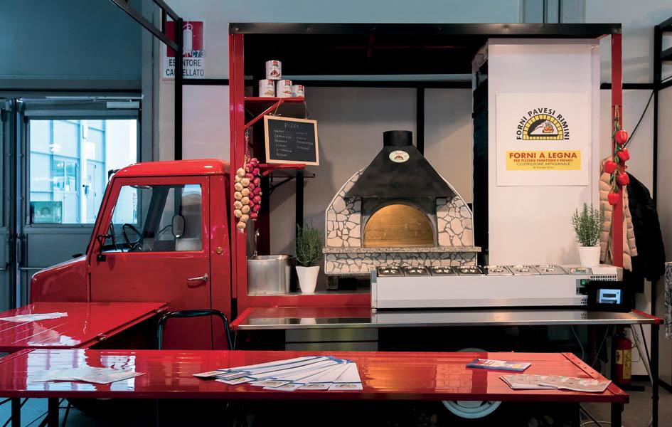 Pizzeria mobile ambulante su misura